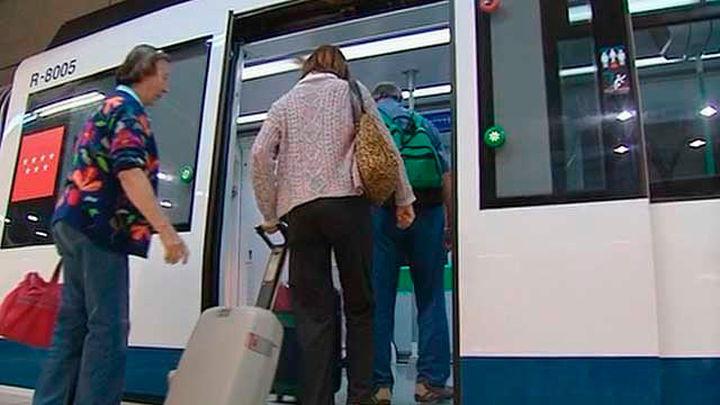 """Los usuarios """"contentos"""" con la  reapertura de la línea 8 de Metro"""
