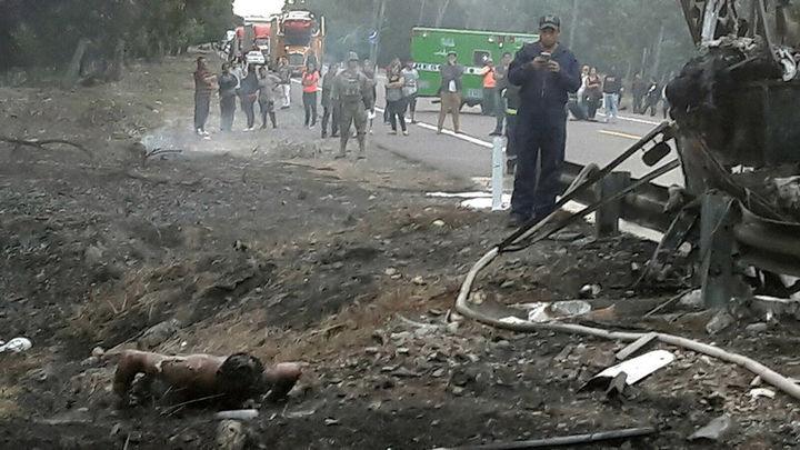 Accidente de tráfico con al menos 24 muertos enluta la Semana Santa en México