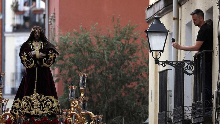 Miles de fieles acuden a las tres procesiones del Jueves Santo en Madrid