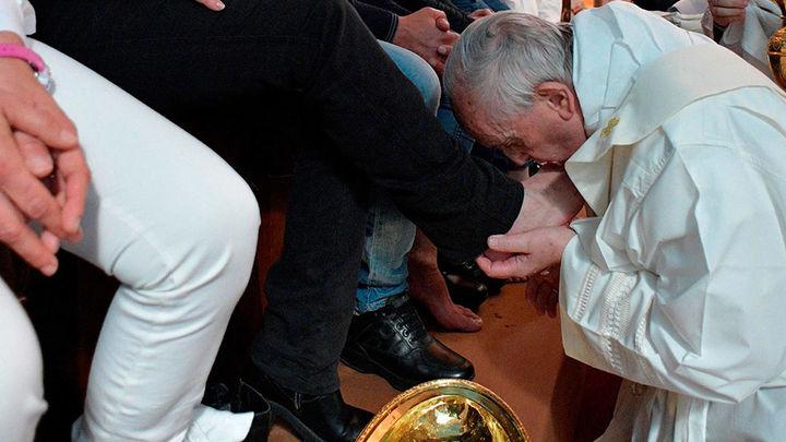 El Papa lava los pies a doce reclusos de una cárcel para ex mafiosos
