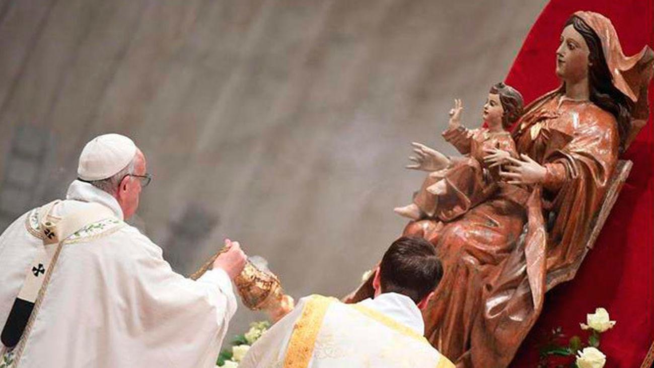 El Papa reivindica en la Vigilia el papel de las mujeres