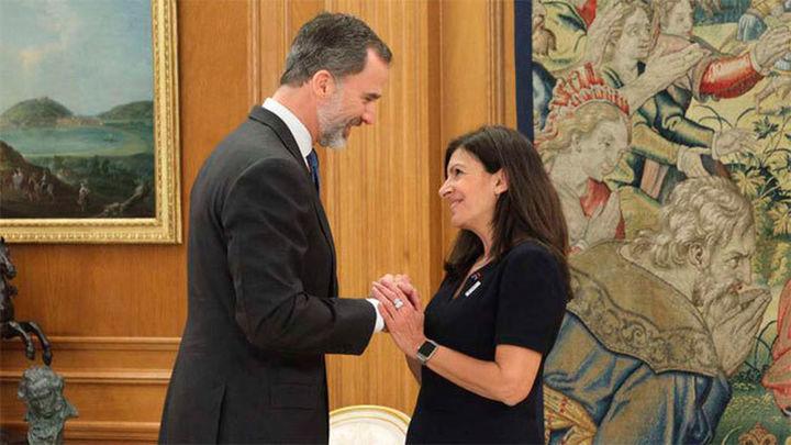 El Rey recibe en Zarzuela a la alcaldesa de París Anne Hidalgo