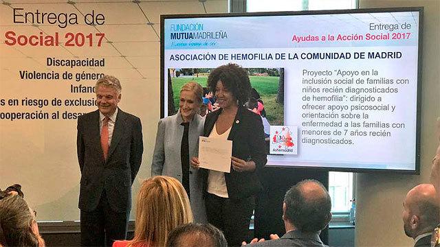 Garralda y Cifuentes en la entrega de Premios de Mutua Madrileña