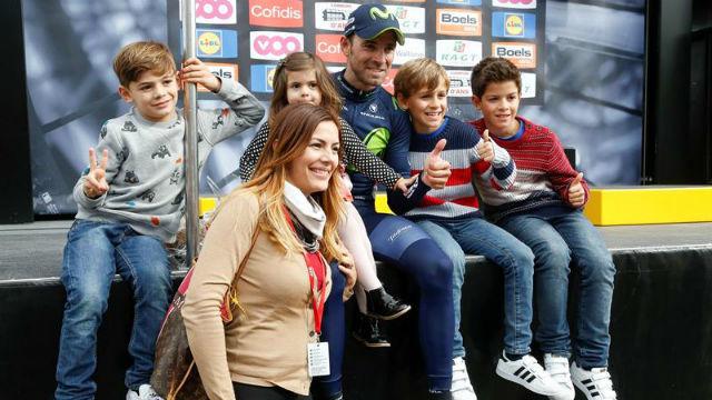Alejandro Valverde y su familia