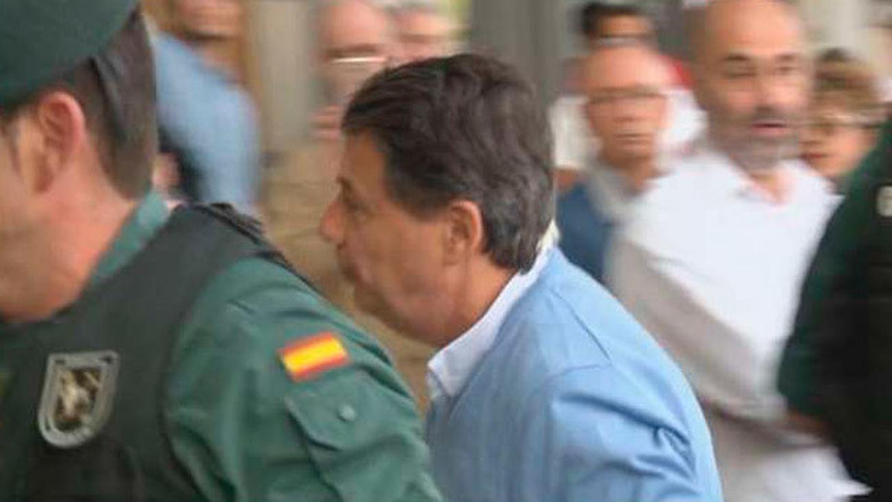 """""""Él quiere tener ingresos, tener ingresos"""" dice el testaferro de González en unas grabaciones"""