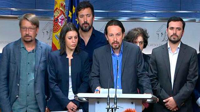 Pablo Iglesias con representantes de sus partidos coaligados