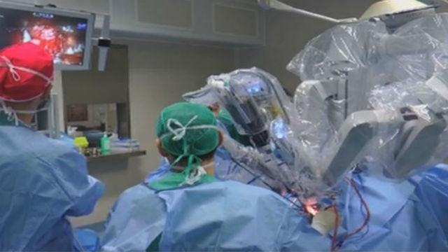 Cirugía robótica pionera