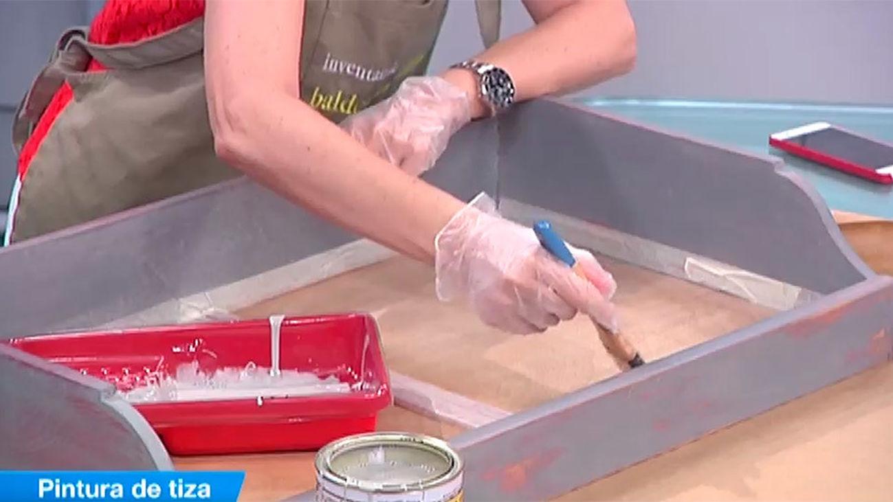 Aprende a decapar muebles con pintura de tiza