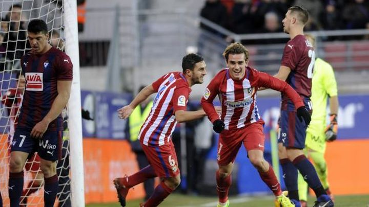 El Atlético, a amarrar el tercer puesto ante el Eibar