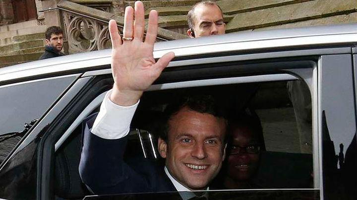 Macron se perfila como favorito, con la participación como gran incógnita