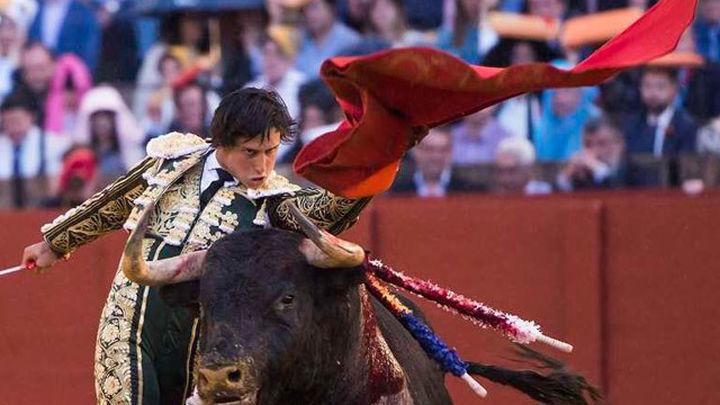 Roca Rey cogido en Las Ventas, pasa a la enfermería tras acabar la faena