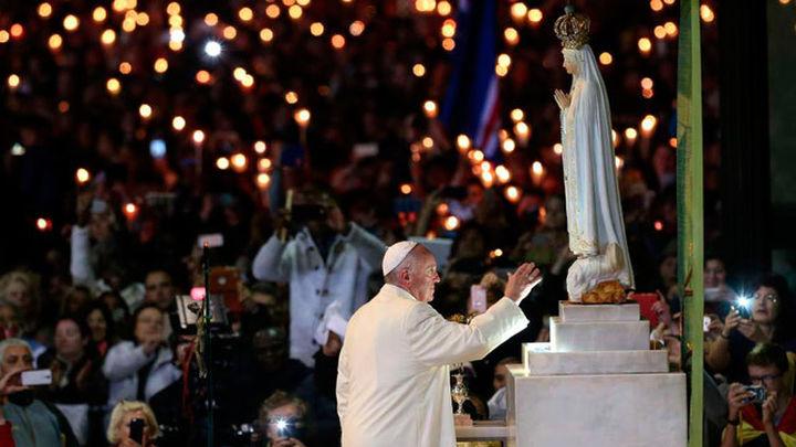 El Papa pide en Fátima derribar muros y vencer a las fronteras