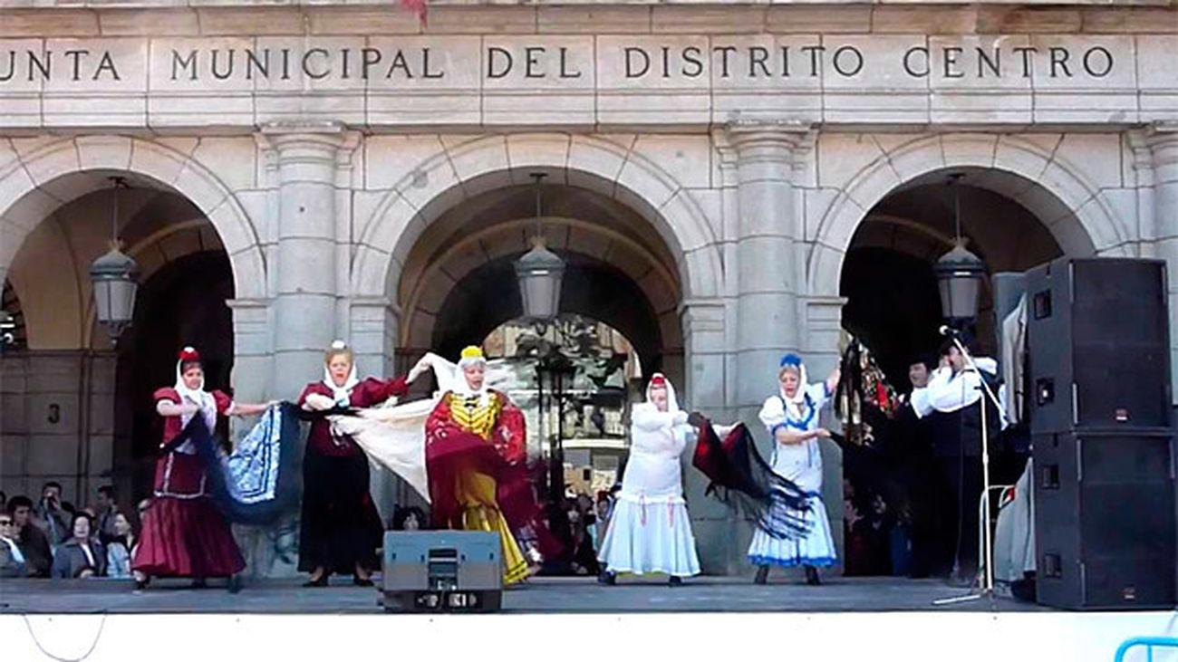 La Zarzuela sale a la calle para celebrar  los 400 años de la Plaza Mayor en San Isidro