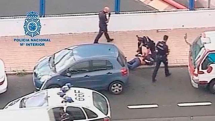 Detenido en Las Palmas un hombre que deambulaba con un hacha