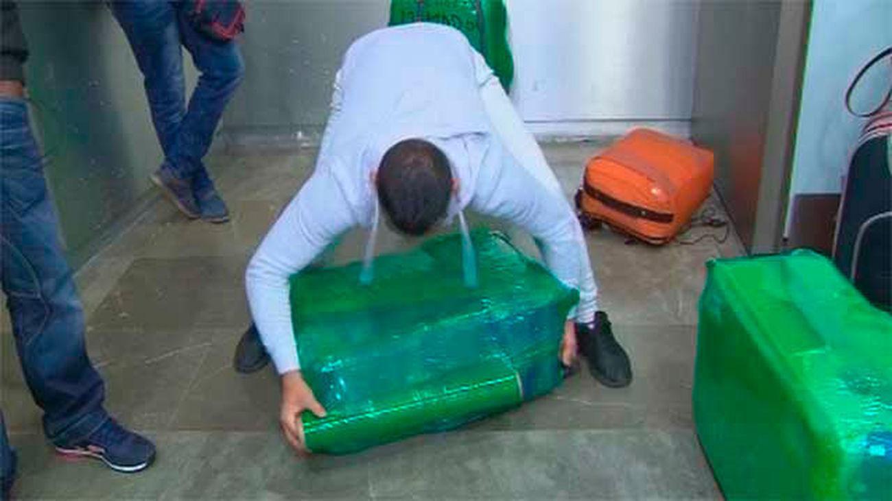 "Una empresa de embalaje en Barajas acusa a Aena de no actuar contra operadores ""ilegales"""