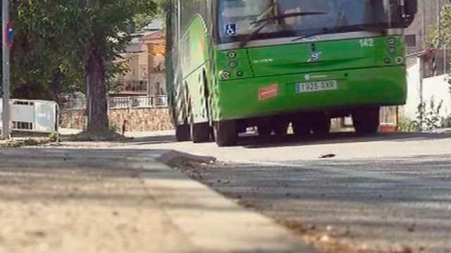Autobus interurbano en la Sierra