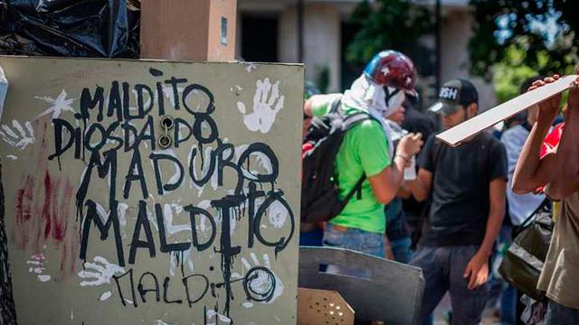 Venezuela cumple 50 días de movilizaciones en las calles contra Maduro