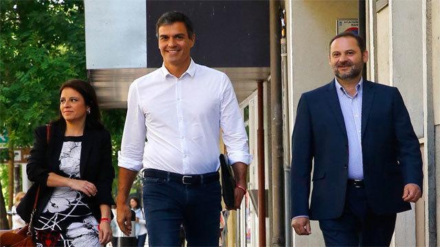Pedro Sánhez con José Luis Ábalos
