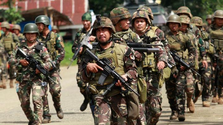 Filipinas lanza ataques aéreos contra los yihadistas afines a Estado Islámico