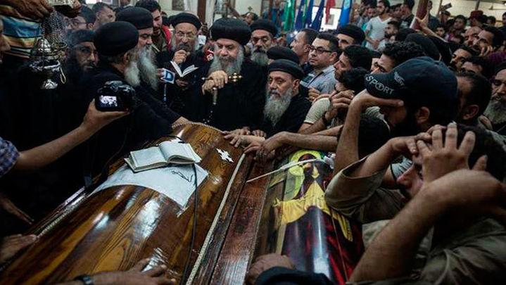 Egipto eleva a 29 los muertos en atentado contra autobús de cristianos coptos