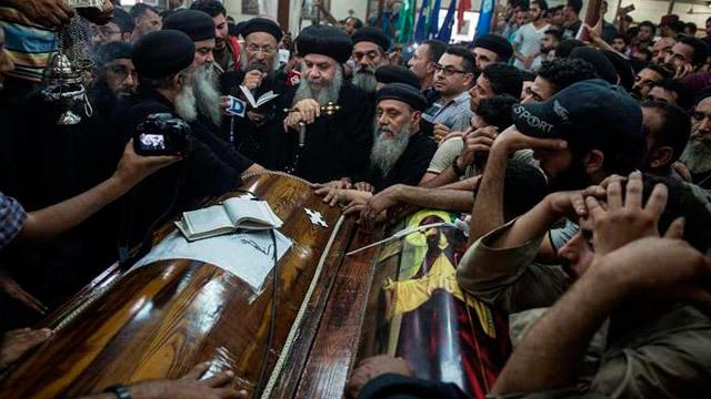Funeral cristianos coptos asesinados en Egipto