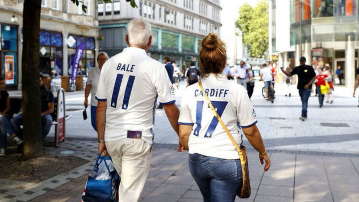 Miles de madridistas viajan a Cardiff para apoyar a su equipo