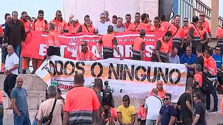 Los estibadores amplían la huelga en junio con cinco jornadas más de paros