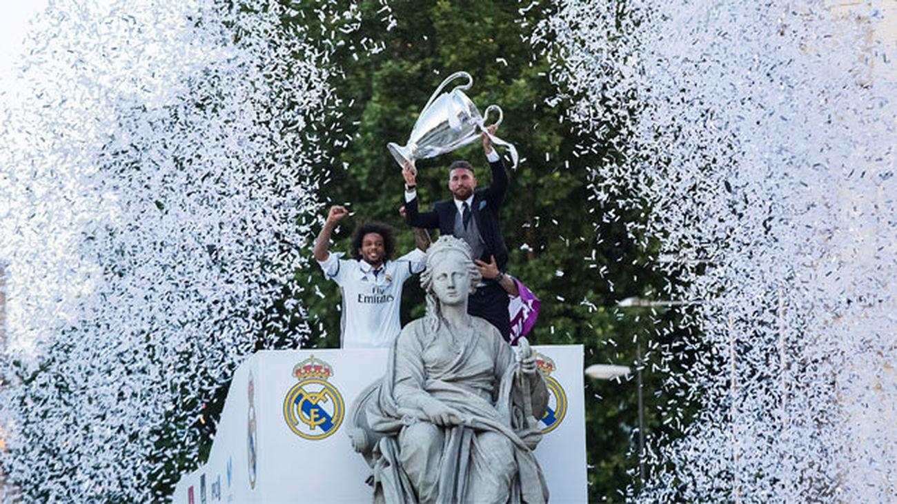 Los reyes de Europa ofrecen la duodécima Champions a su diosa Cibeles