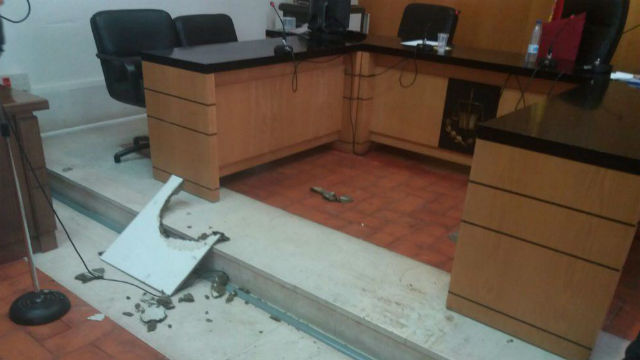 Se cae el techo de un juzgado de Aranjuez
