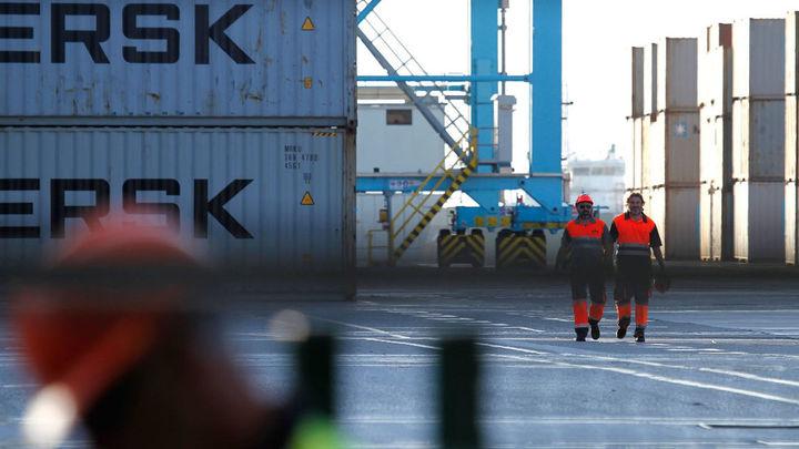 Los estibadores protagonizan una tercera jornada de paros en los puertos