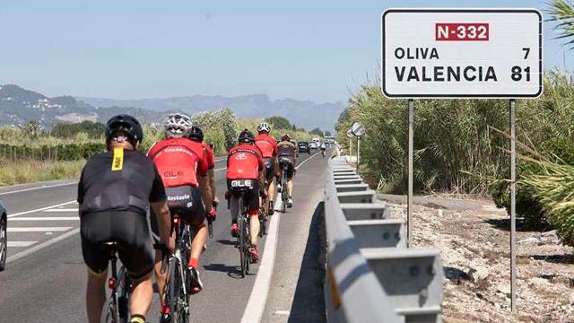 Atropello ciclista en Oliva