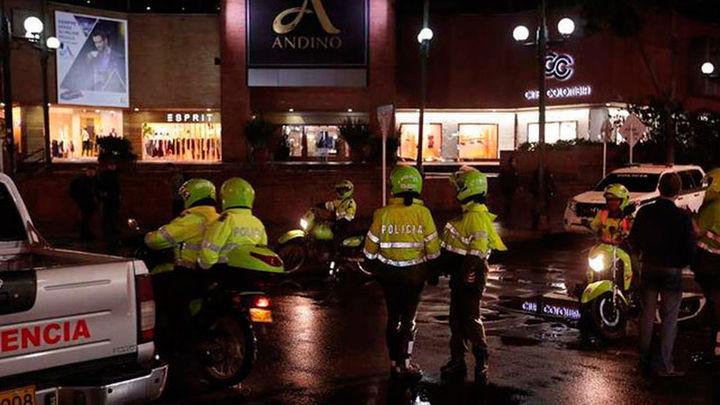 Tres muertos en un atentado en un centro comercial de Bogotá