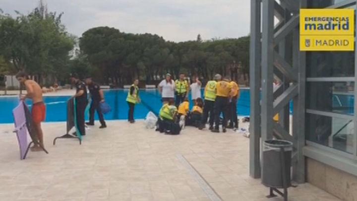 El Samur reanima a un hombre con parada cardiorespiratoria en la piscina de Aluche