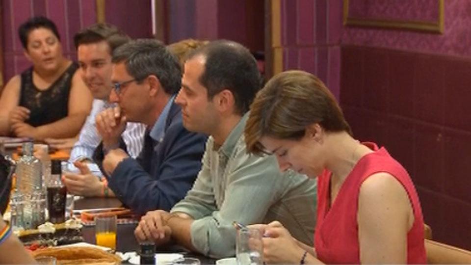 El portavoz de Ciudadanos se reúne con los colectivos LGTB