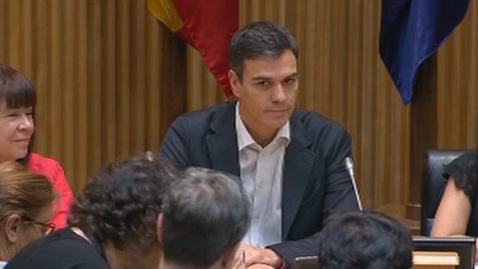 Pedro Sánchez confirma a Moscovici que el PSOE no apoyará la ratificación del CETA