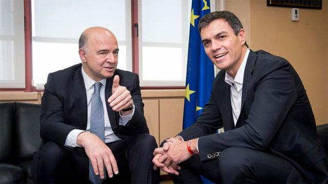 Pierre Moscovici con Pedro Sánchez