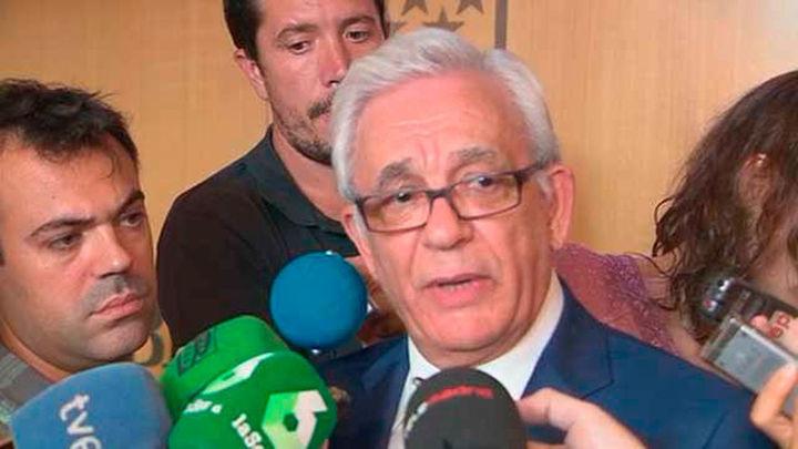"""La Asamblea pide la dimisión o cese """"inmediato"""" del consejero de Sanidad"""