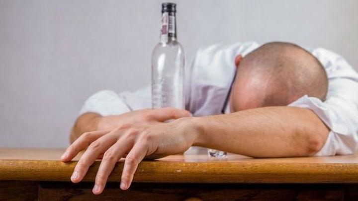 Sube la edad de quienes inician tratamientos contra la adicción alcohol y drogas