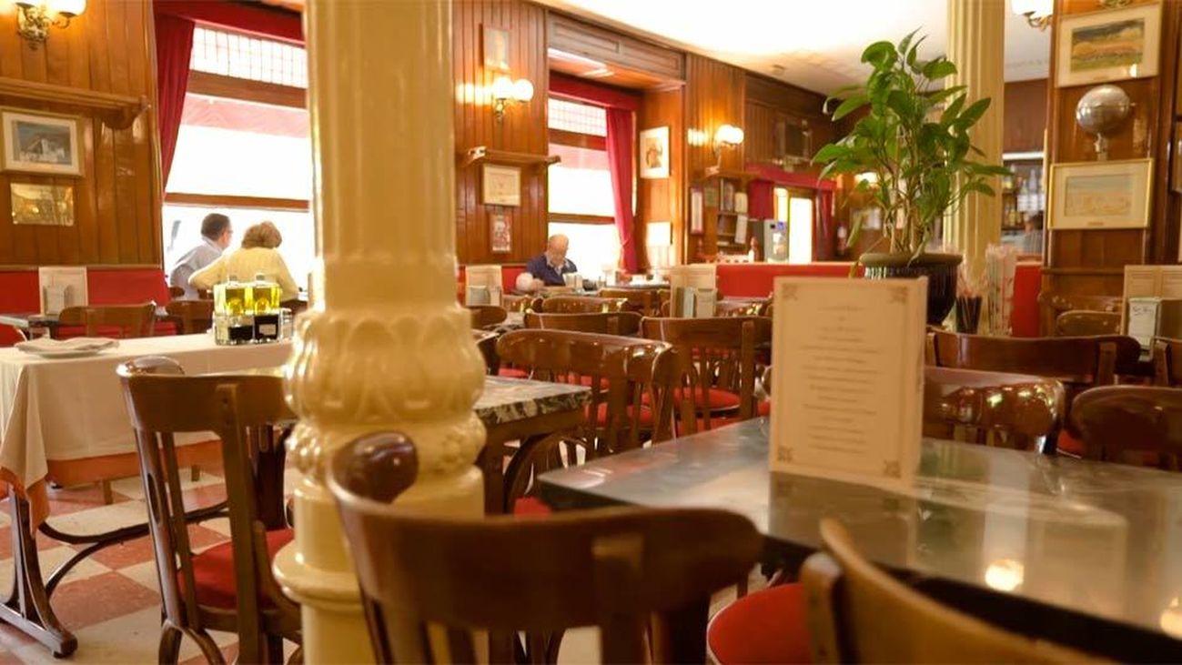 El mítico Café Gijón, lugar de encuentro