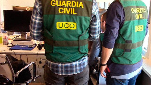 Agentes de la UCO de la Guardia Civil