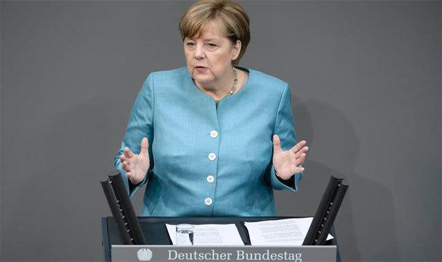 La canciller alemana, Angela Merkel, ante el Bundestag en Berlín