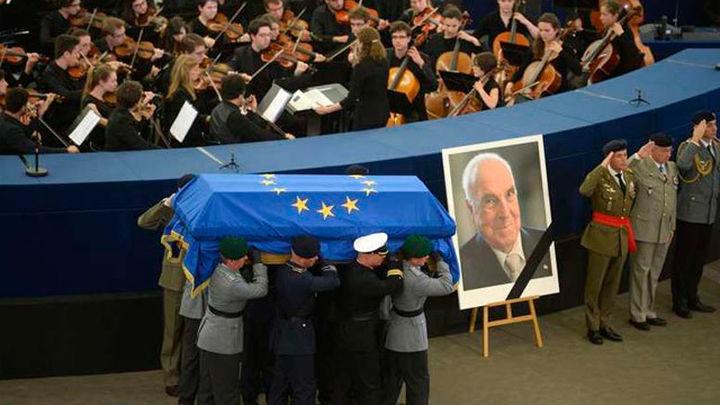 Ceremonia de despedida a Helmut Kohl en Estrasburgo