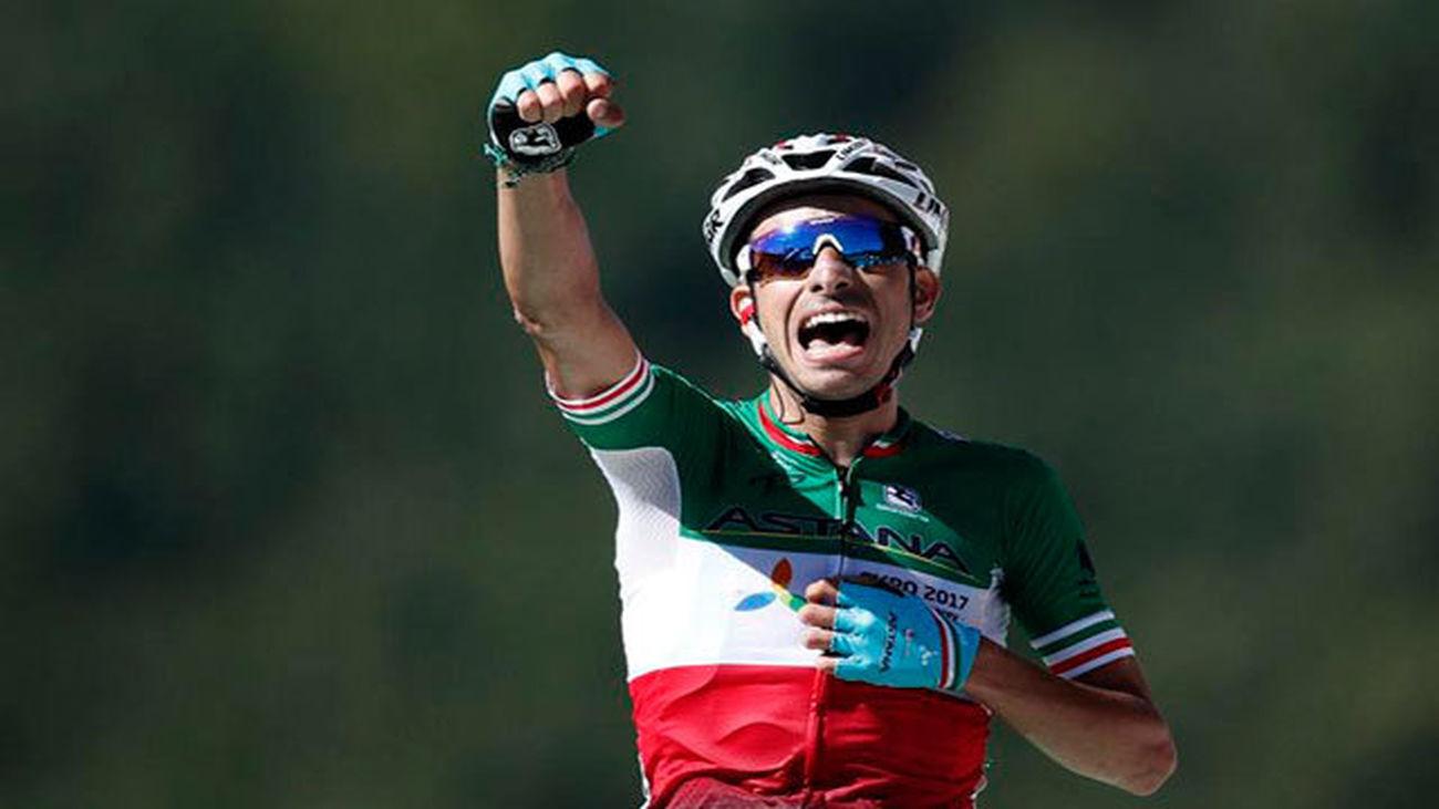 El ciclista italiano Fabio Aru del Astana celebra su victoria