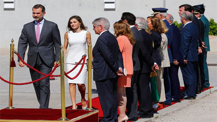 Los Reyes de España llegan a Londres para su visita de Estado