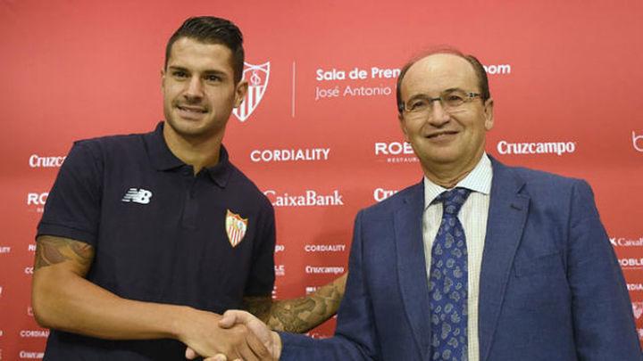 El Sevilla anuncia acciones legales por el 'caso Vitolo'