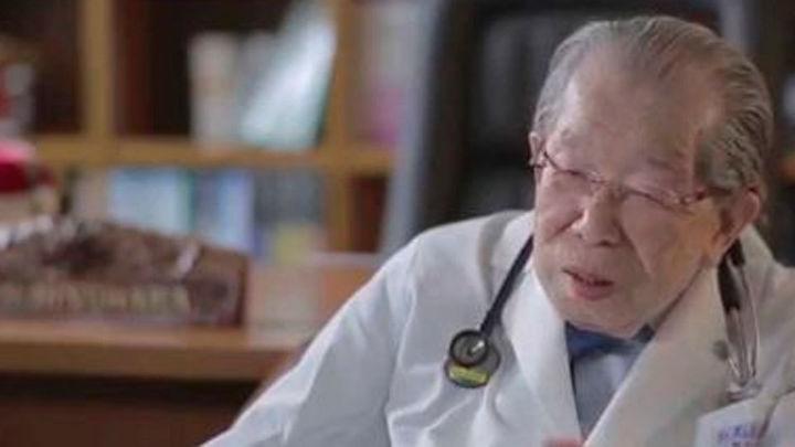 Fallece Shigeaki Hinohara, el médico japonés que trabajó hasta los 100 años