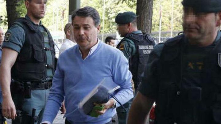 Mantienen en prisión a Ignacio González porque maneja ingente cantidad de dinero