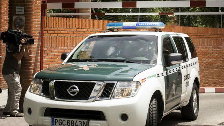 Detenido tras apuñalar a su madre de 83 años mientras dormía en Granada