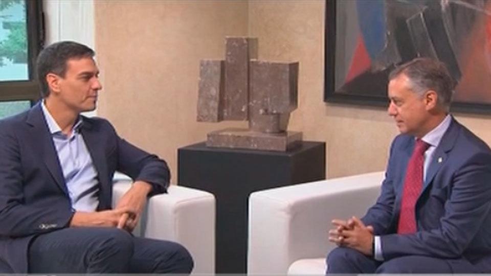 Primera reunión entre Pedro Sánchez e Iñigo Urkullu