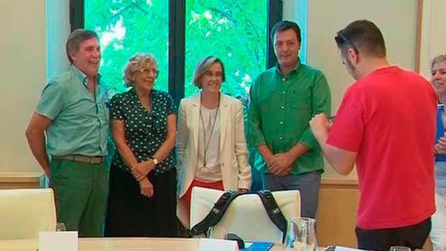 Carmena, Causapié con representantes sindicales